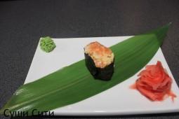 Спайс с лососем и кальмаром